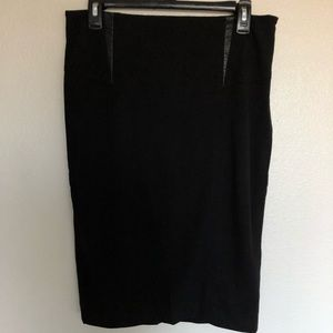 Cremieux Black stretchy skirt size 6